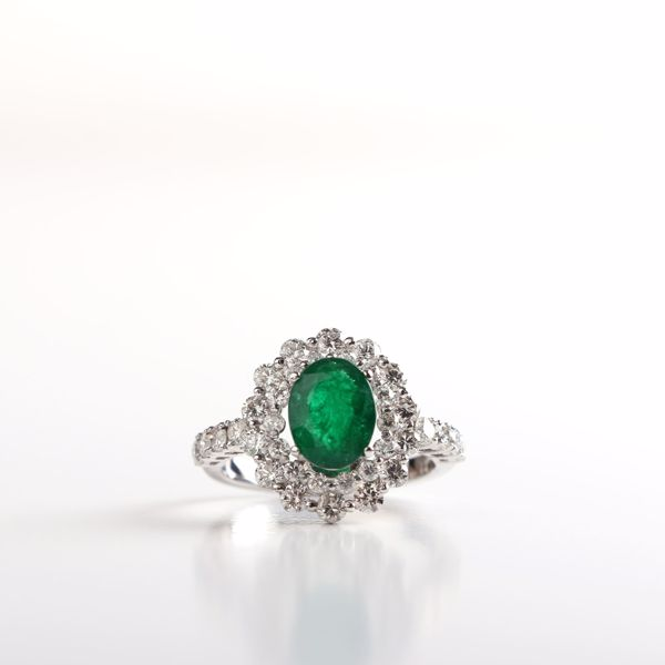 Picture of Brilliant Emerald Ring