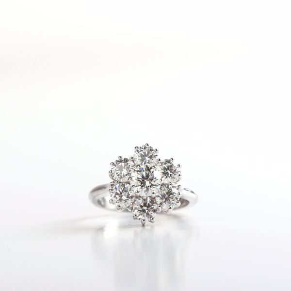 Picture of The Classy Flower Diamond Ring