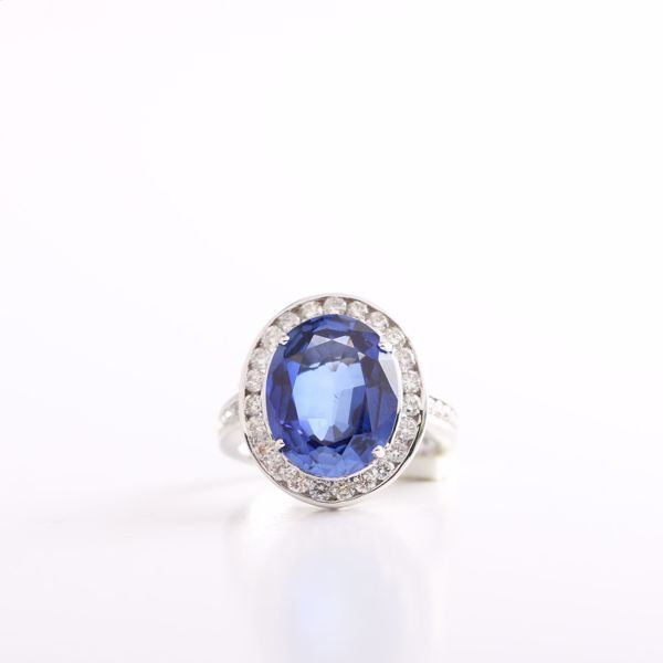 Picture of Shinny Oval Sapphire And Diamond Ring