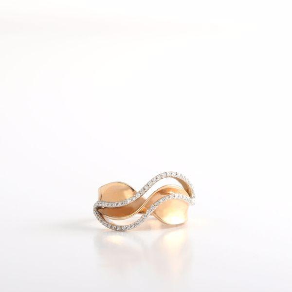 Picture of Sensational Wavy Diamond Ring