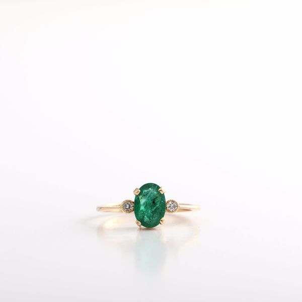 Picture of Charming Emerald & Diamond Ring