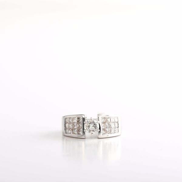 Picture of Glamorous Diamond Solitaire Ring