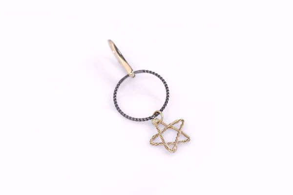 J.R.S. Braided Circle&Star Wire Earring Top View