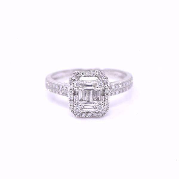 Picture of Exquisite White Diamond Illusion Solitaire Ring