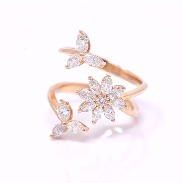 Picture of Amazing Triple Flowers Ring