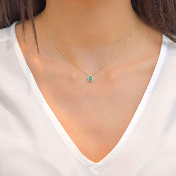 Picture of Elegant White Diamond & Emerald Tear Necklace
