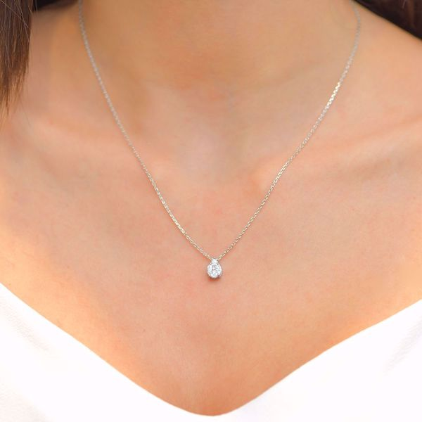 Picture of Pear Shaped Diamond Illusion Necklace