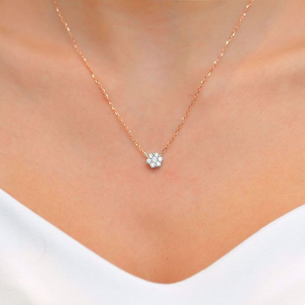 Picture of White Diamond Flower Illusion Necklace