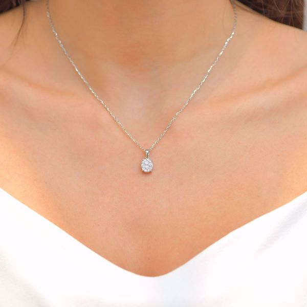 Picture of Lovely Oval Diamond Necklace