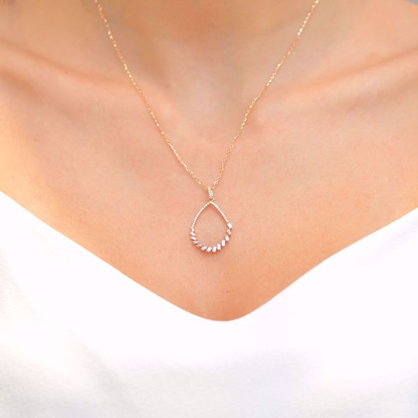 Picture of Winsome Tear Shaped Diamond Necklace