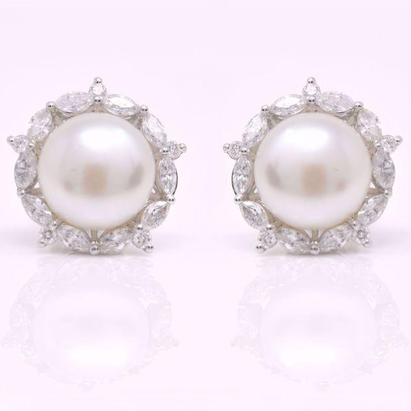 Picture of Big Pearl & Diamonds Studs