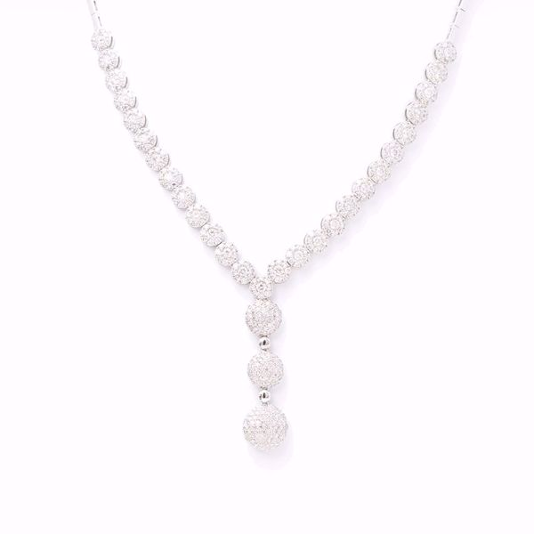 Picture of Astonishing White Diamond Necklace