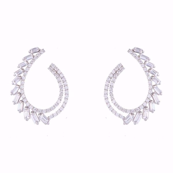 Picture of Diamond Curve Earrings