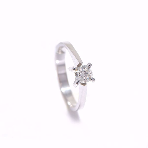 Picture of Shinny White Diamond Solitaire Ring