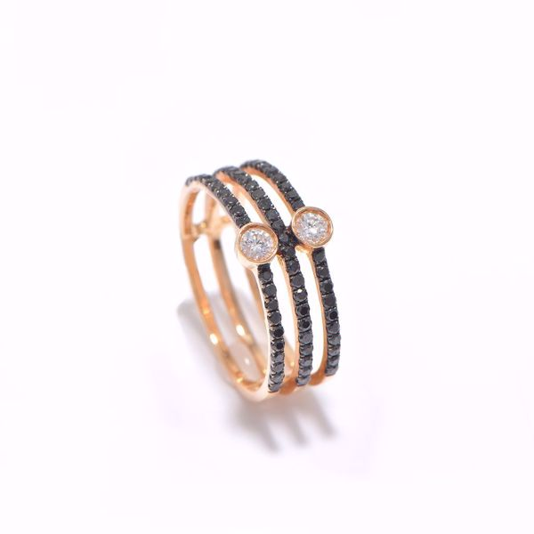 صورة Pinky Black & White Diamond Ring