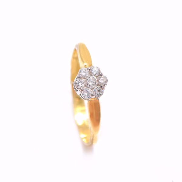 Picture of White Flower Diamond Ring