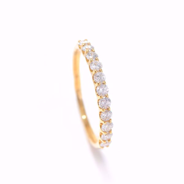 Picture of Classic Half-Turn Alliance Diamond Ring