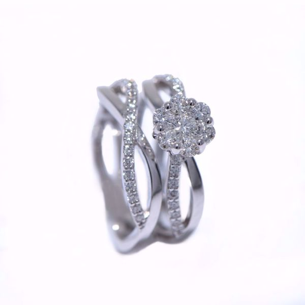 Picture of Breathtaking Diamond Solitaire Ring