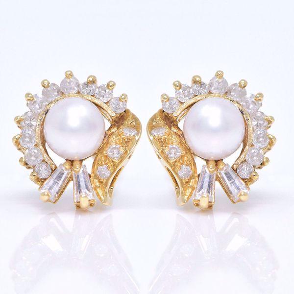 Picture of Diamond & Pearl Earrings