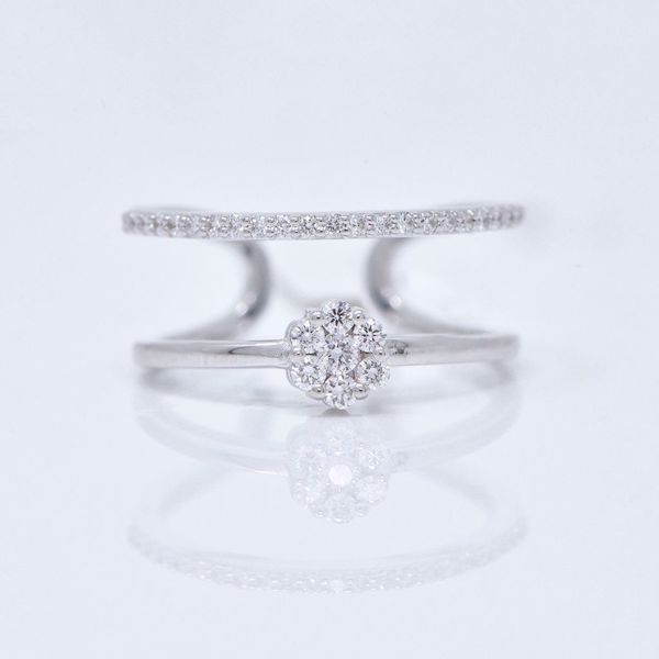 Picture of Amazing White Diamond Ring