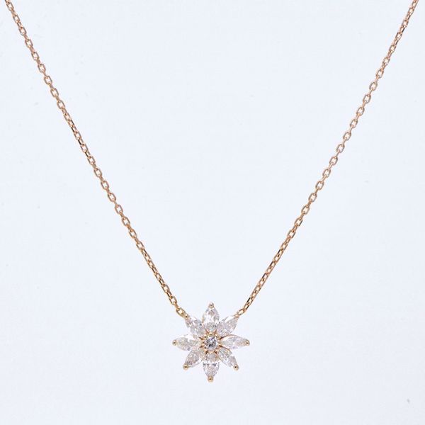 Picture of The Adorable White Diamond Flower Set