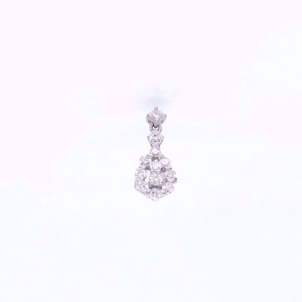Picture of Cute White Diamond Pendant